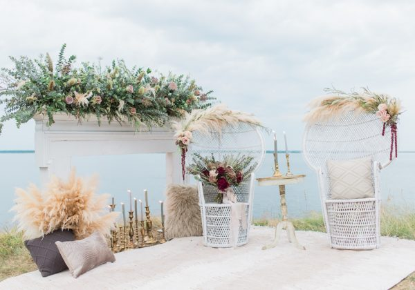 STATE PARK // STYLED EDITORIAL // CLIFFSIDE ELOPEMENT